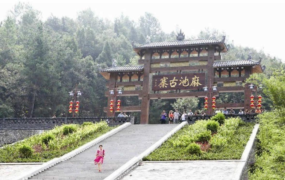 宜昌动力1+1团建拓展训练培训公司基地www.hbdl11.com
